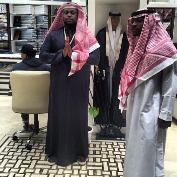 Davido s'habille en un prince arabe: photos