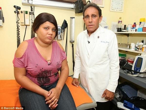 République dominicaine: Une adolescente pleure et sue du sang (photos)