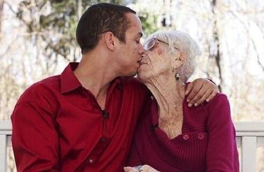 Rencontrez l'homme de 31 ans qui est attiré que par les femmes de plus de 65 ans: photos