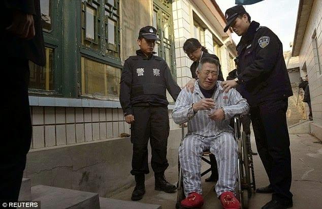 Moments hilarants d'un homme forcé à quitter l'hôpital  après y avoir passé 3 ans (photos)
