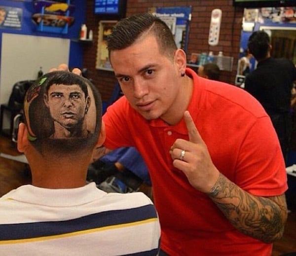 USA: Un coiffeur réalise des portraits de stars dans les cheveux de ses clients (photos)
