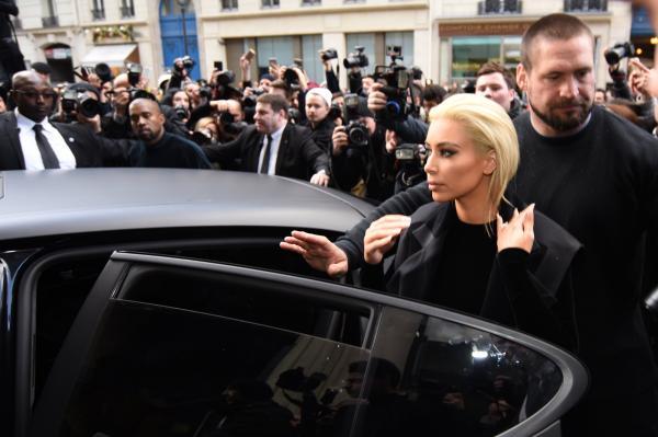 Kim Kardashian a encore fait du buzz: la mère de North est désormais… blonde (photos)