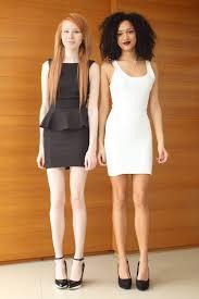 Incroyable : l'une est métisse l'autre est rousse et elles sont jumelles (photos)