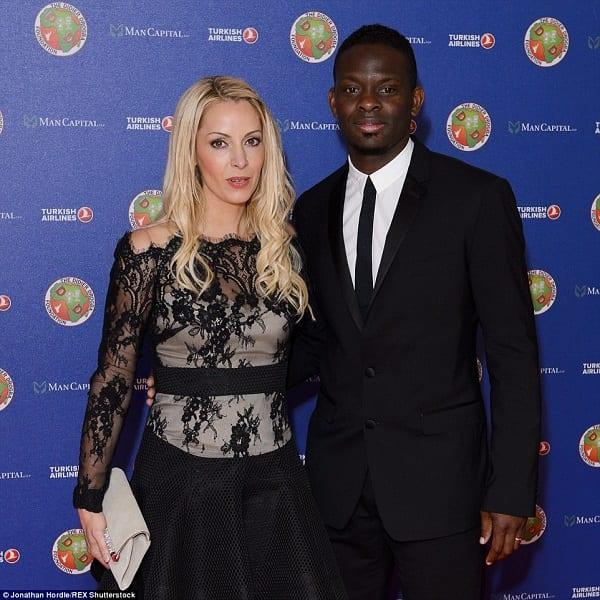 Didier Drogba: Les joueurs de Chelsea célèbrent leur victoire lors de son bal de charité(PHOTOS)