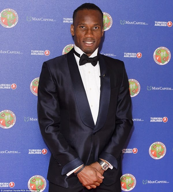 27B6D53900000578-3045235-Drogba_smiles_as_he_attends_his_charity_ball_at_London_s_swanky_-a-159_1429398601558