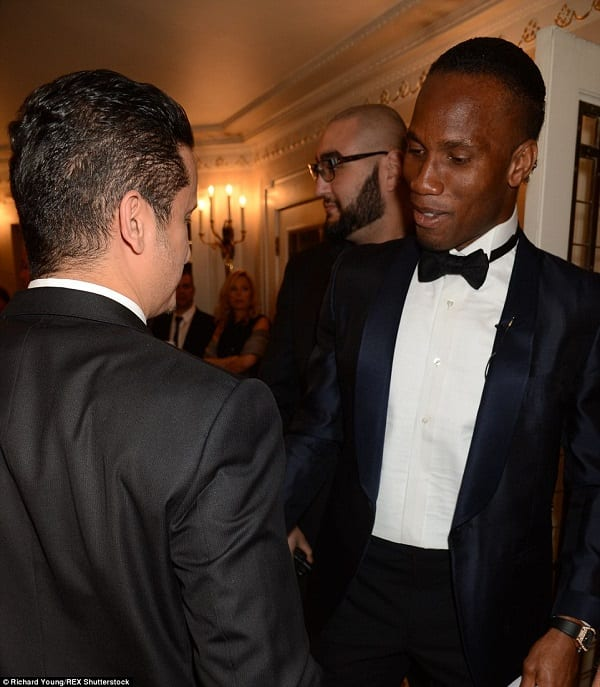 27B7452900000578-3045235-Drogba_meets_and_greets_at_his_charity_fundraiser_at_the_Dorches-a-155_1429398601341
