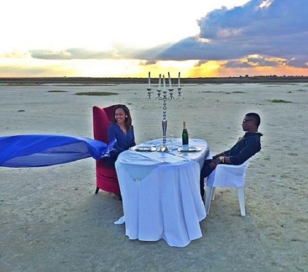 Wizkid et sa petite amie dînent au milieu du désert: photo