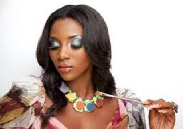 8 célébrités africaines qui sont complètement différentes sans maquillage: photos