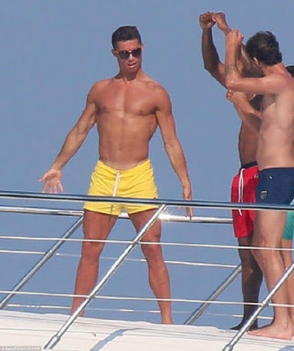 Cristiano Ronaldo montre qu'il est un bon danseur: photos