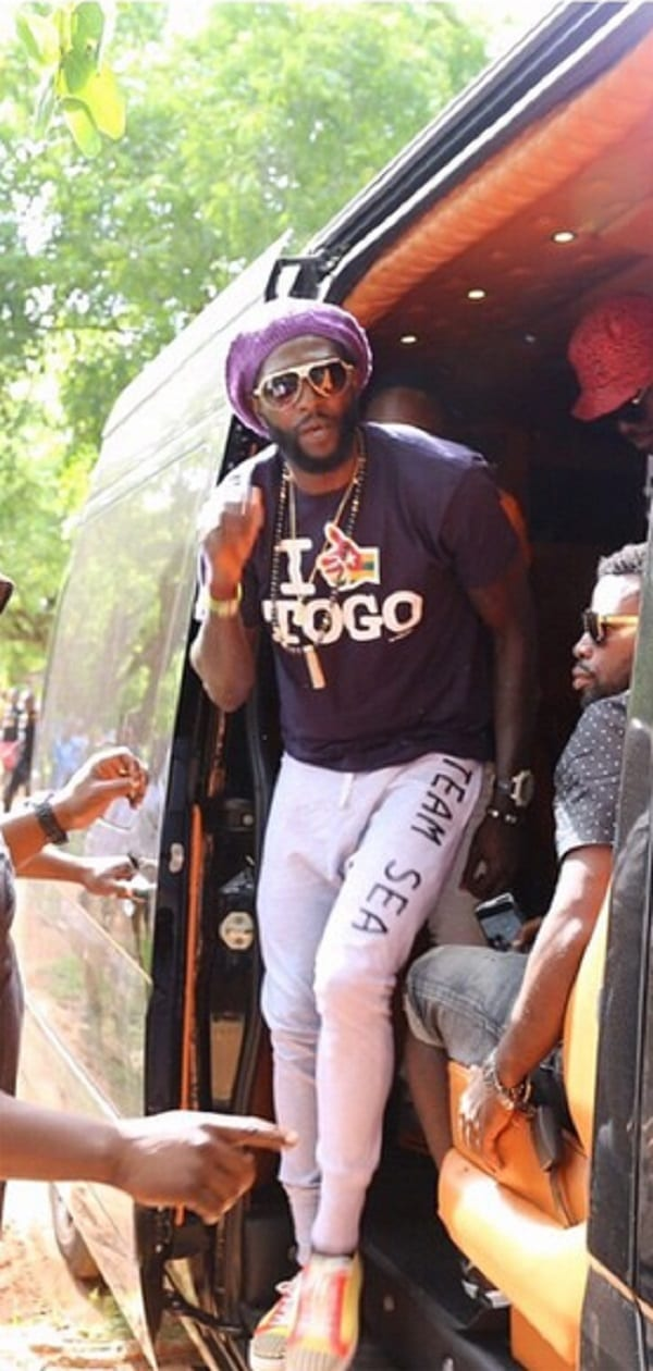Emmanuel Adebayor accueilli en héros au Togo: photos