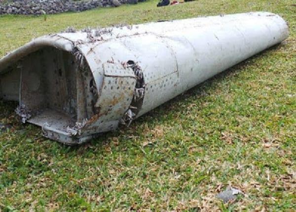 Le débris de l'avion malaisien disparu retrouvé: PHOTOS