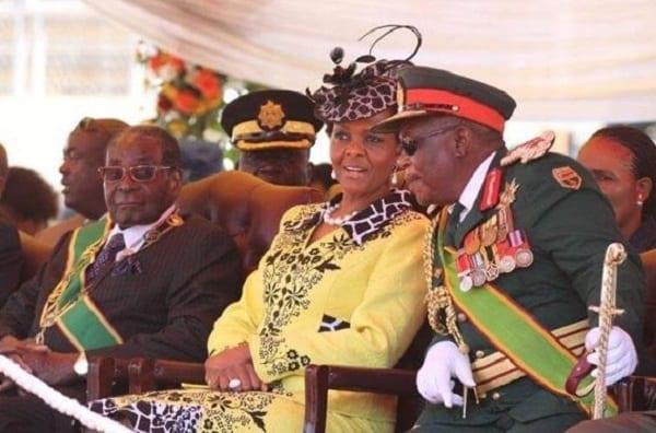 Est-ce la raison pour laquelle le président Mugabe a chassé son chef d'état-major de la Défense?