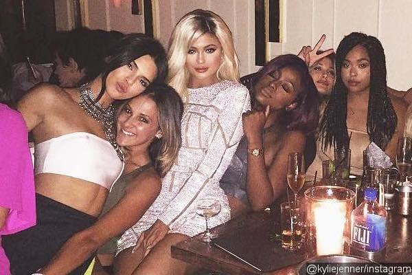 Kylie Jenner: Tyga lui offre une Ferrari d'une valeur de 300.OOO euros pour ses 18 ans: PHOTOS