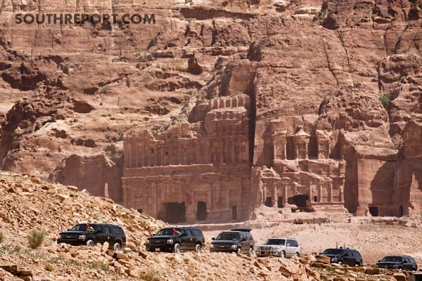 President-Obamas-Motorcase-departs-to-the-Ancient-City-of-Petra-in-Jordan1-771x514