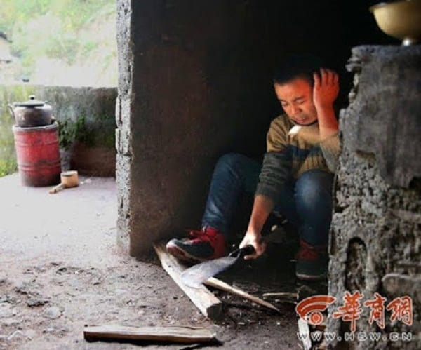 Âgé de 13 ans, il prend soin de ses parents aveugles depuis 9 ans: PHOTOS