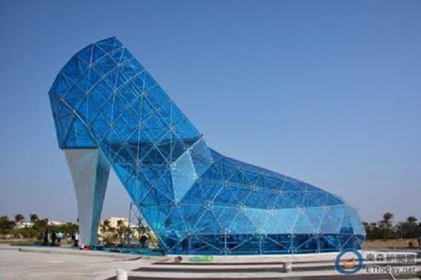 Une église en forme de chaussure haut talon construite en Taïwan: PHOTOS