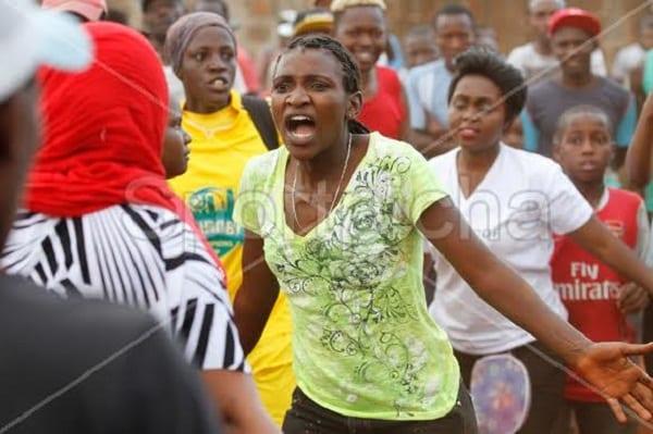 Kenya: deux femmes se battent pour un homme lors d'un match de football