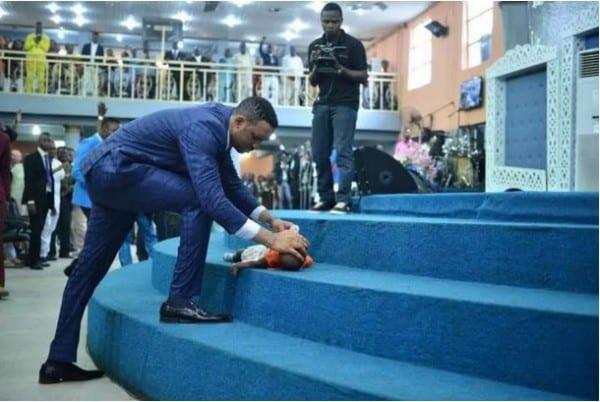 Nigeria: Un pasteur aurait ressuscité un bébé décédé (PHOTOS)