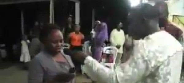 Nigeria: Un pasteur invoque Dieu pour recharger le compte des téléphones de ses fidèles