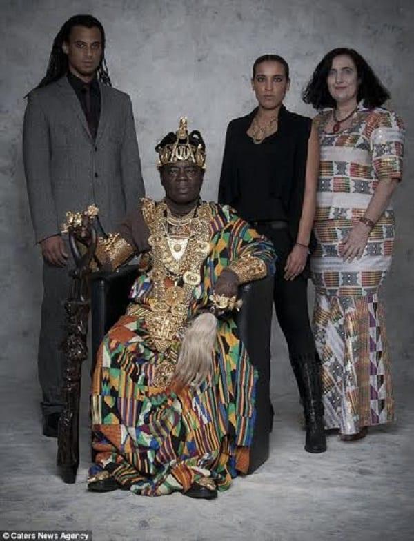 Ngoryifia Cephas, le roi ghanéen mécanicien en Allemagne qui dirige son peuple via Skype