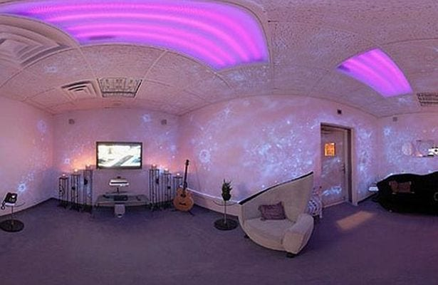Inside-Princes-incredible-Paisley-Park-studios (2)