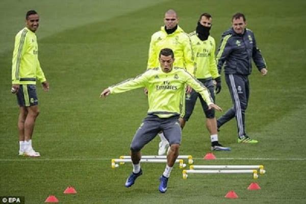 Cristiano Ronaldo fait une farce à son coéquipier: PHOTOS